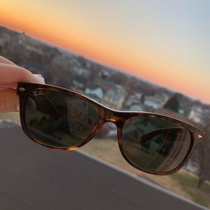 Brand New Ray-Ban Polarized Sunglasses, RB2132 NW